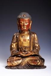 A FINE GILT AND LACQUERED BRONZE FIGURE OF BUDDHA SHAKYAMUNI