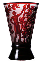 VASE WITH WINE HARVEST MOTIF