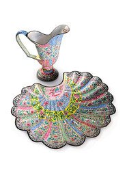 AN EXCEPTIONAL CANTON ENAMEL EWER AND BASIN