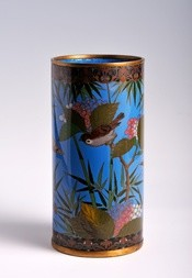 A CLOISONNÉ ENAMEL BRUSHPOT WITH BIRDS AND FLOWERS