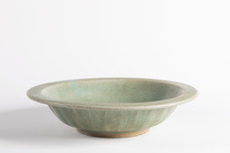 A FINE LONGQUAN CELADON GLAZED  'TWIN FISH' BOWL