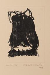Hlava dívky s mašlí ve vlasech zezadu